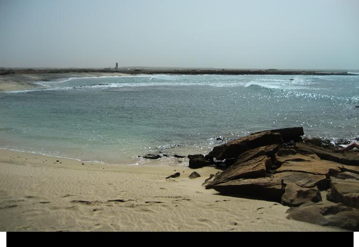 Murdeira växande by med öde privat strand och fastigheter och hus spekulation mot turister och köpare