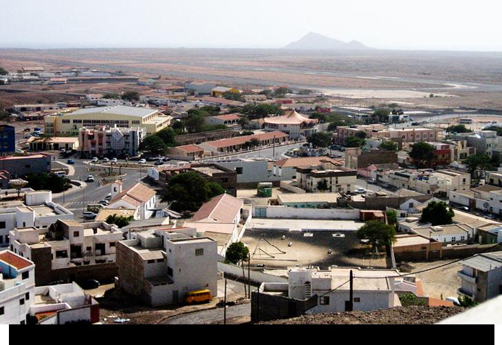 Info & fakta om Espargos, huvudstaden på ön Sal, Kap Verde öarna. Restauranger, marknader, affärer & snabbmat